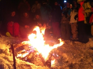 Lots of people hanging out by the fire....and a ton down in the warming hut. We left around 11, I imagine the party was rockin' pretty late!